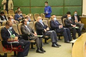وزير الرياضة يجتمع